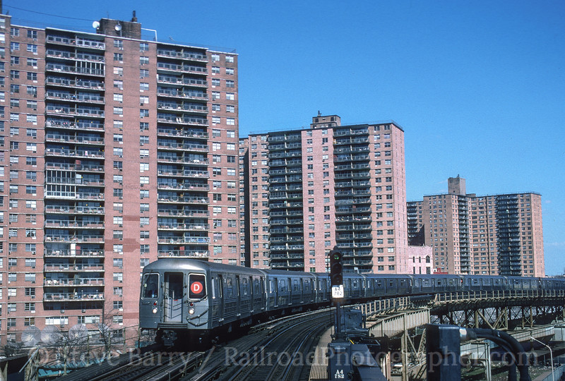 Photo 3562<br /> New York City Transit Authority; West 8 Street, Brooklyn, New York<br /> April 1, 1995