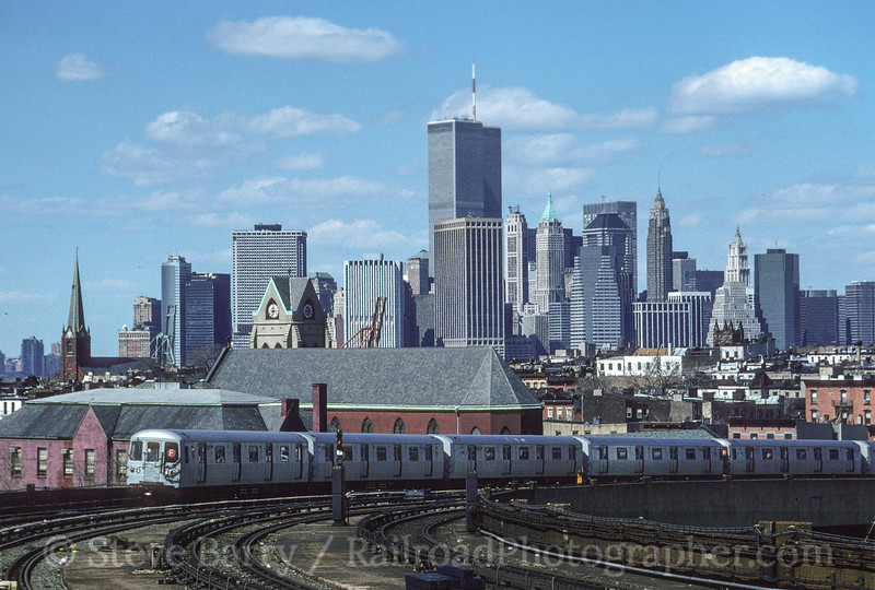 Photo 3557<br /> New York City Transit Authority; Smith-9th, Brooklyn, New York<br /> April 1, 1995
