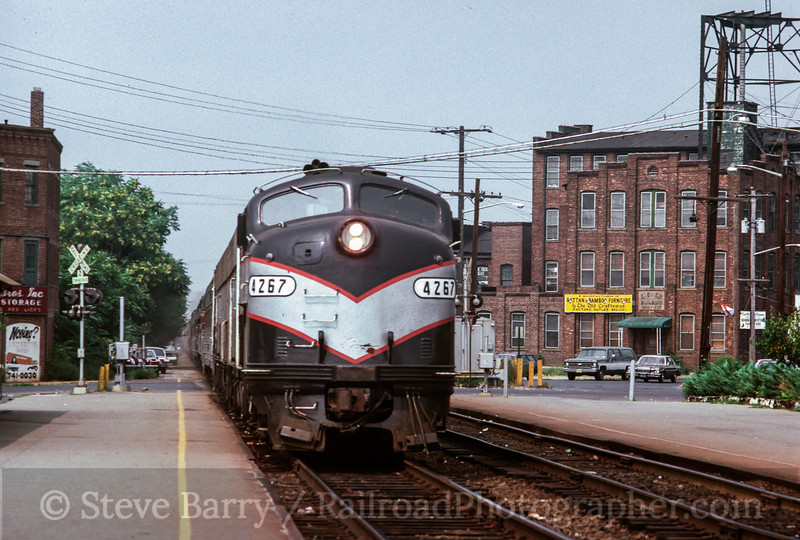 Photo 2045 New Jersey Transit; Red Bank, New Jersey August 30, 1980