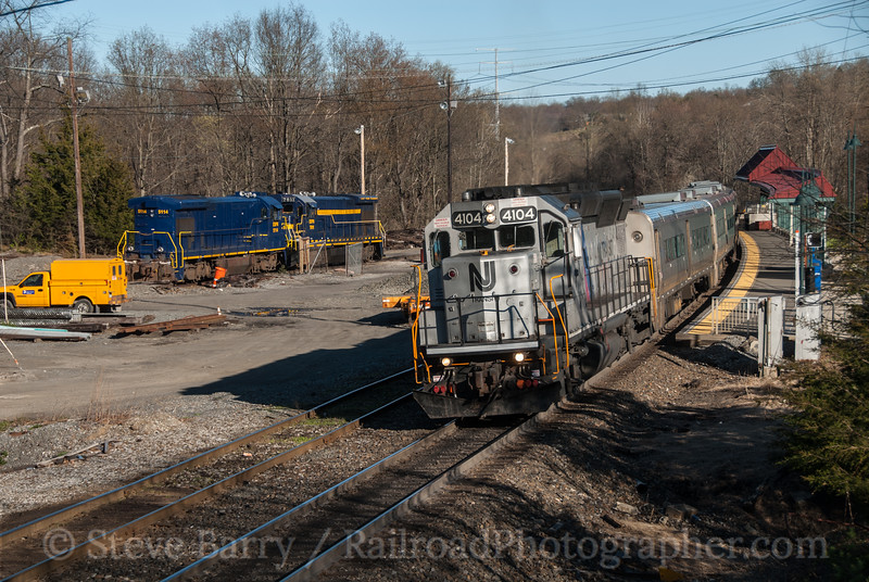 Photo 2686<br /> NJTransit and Middletown & New Jersey; Campbell Hall, New York<br /> April 6, 2012
