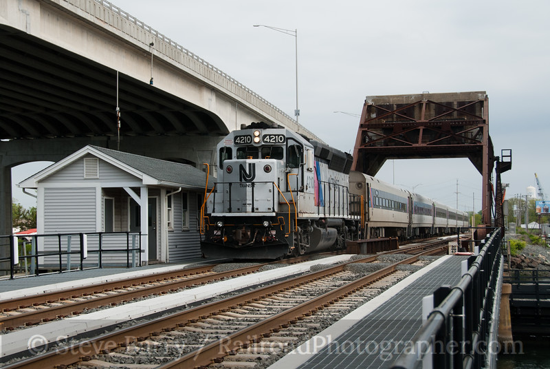 Photo 2077<br /> New Jersey Transit; Shark River, Belmar, New Jersey<br /> May 13, 2011