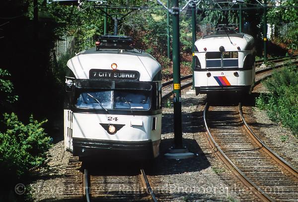 Photo 3585 Newark City Subway (NJT); Davenport Avenue, Newark, New Jersey August 2001