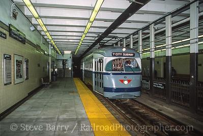 Photo 3588 Newark City Subway (NJT); Warren Street, Newark, New Jersey August 24, 2001