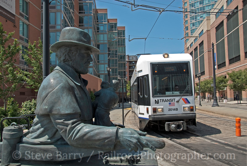 Photo 1909<br /> Hudson Bergen Light Rail (NJT); Jersey City, New Jersey<br /> July 31, 2010