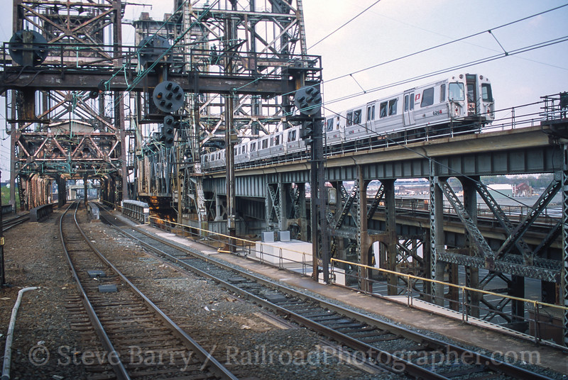 Photo 5026<br /> Port Authority Trans Hudson<br /> Newark, New Jersey<br /> May 2000