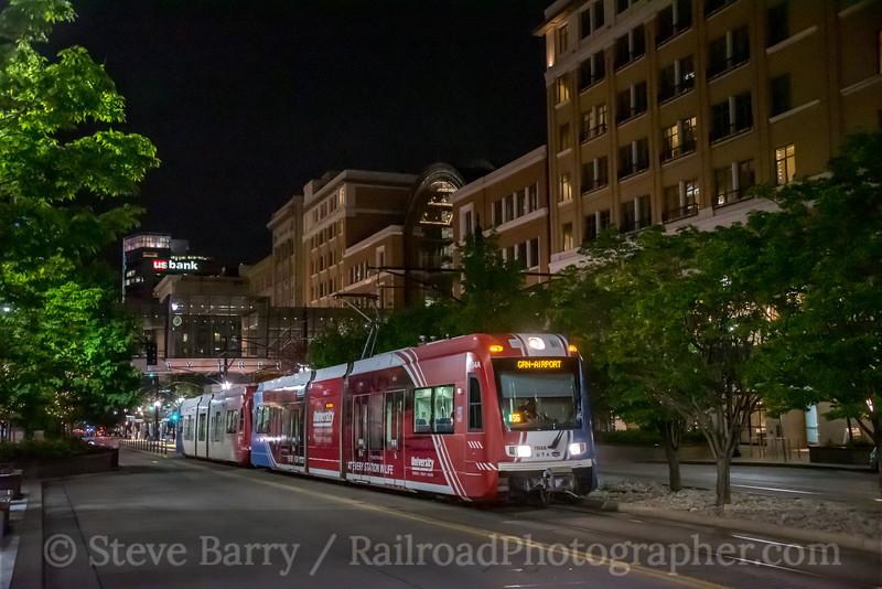 Photo 5562<br /> TRAX (UTA)<br /> Temple Square, Salt Lake City, Utah<br /> May 8, 2019