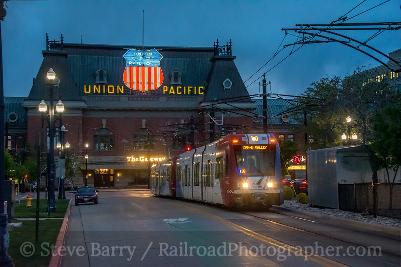 Photo 5560<br /> TRAX (UTA)<br /> Arena Station, Salt Lake City, Utah<br /> May 8, 2019
