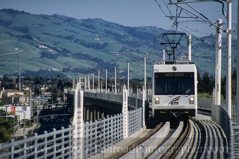 Photo 4201<br /> Valley Transportation Authority; Great Mall/Main, Milpitas, California<br /> March 2005