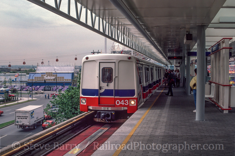 Photo 2963<br /> SkyTrain; Main Street, Vancouver, British Columbia<br /> May 25, 1986