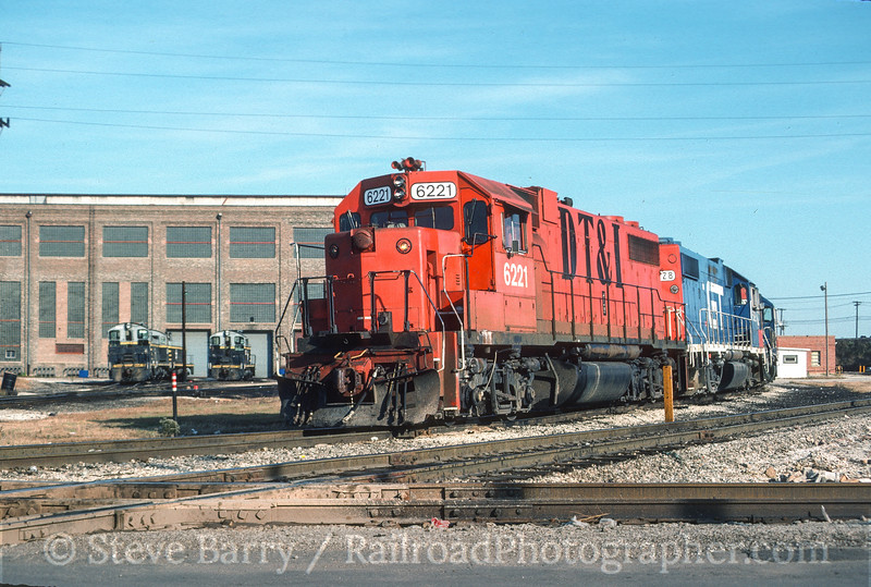 Photo 3550<br /> Grand Trunk Western; Clearing Yard, Bedford Park, Illinois<br /> October 1987