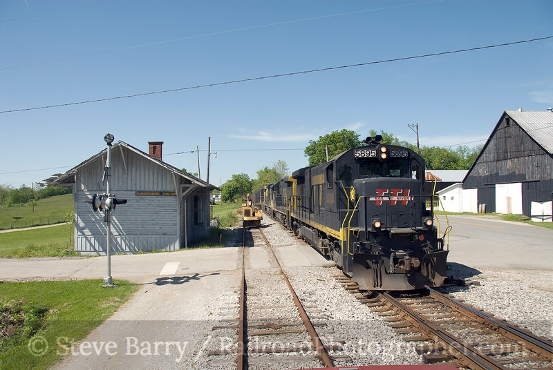 Photo 1374<br /> Transkentucky Transportation; Flemingsburg Junction, Kentucky<br /> May 19, 2009