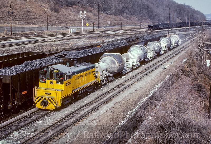 Photo 5106<br /> Aliquippa & Southern<br /> Aliquippa, Pennsylvania<br /> February 1982