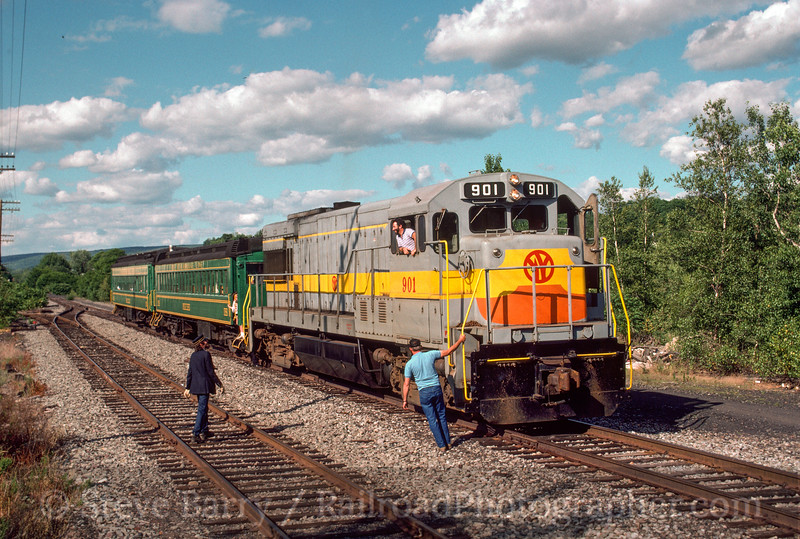 Photo 2896<br /> Lycoming Valley; Carbondale, Pennsylvania<br /> July 1988