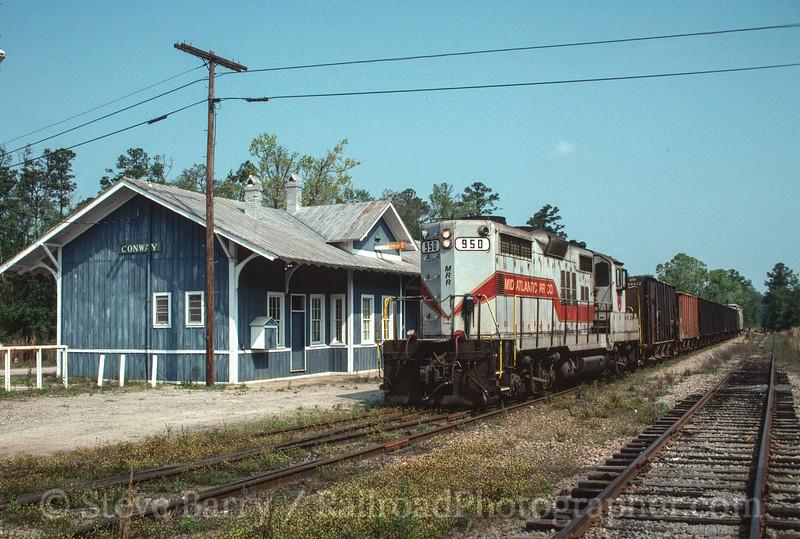 Photo 2853<br /> Mid-Atlantic Railroad; Conway, South Carolina<br /> April 1992