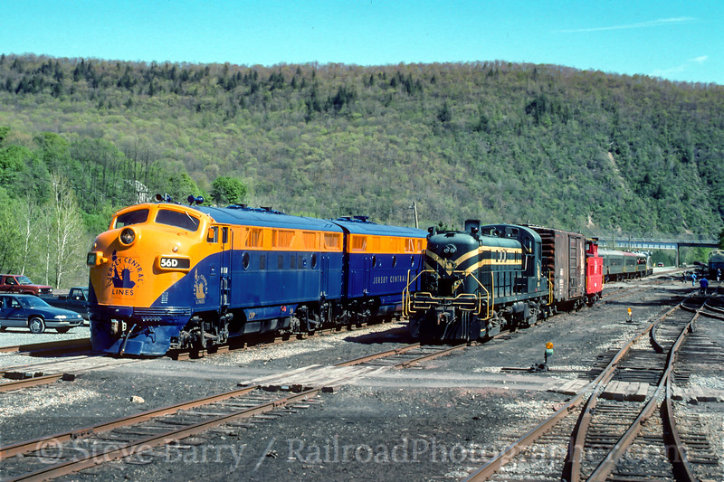 Photo 4740<br /> Rail Tours<br /> Jim Thorpe, Pennsylvania<br /> May 1994