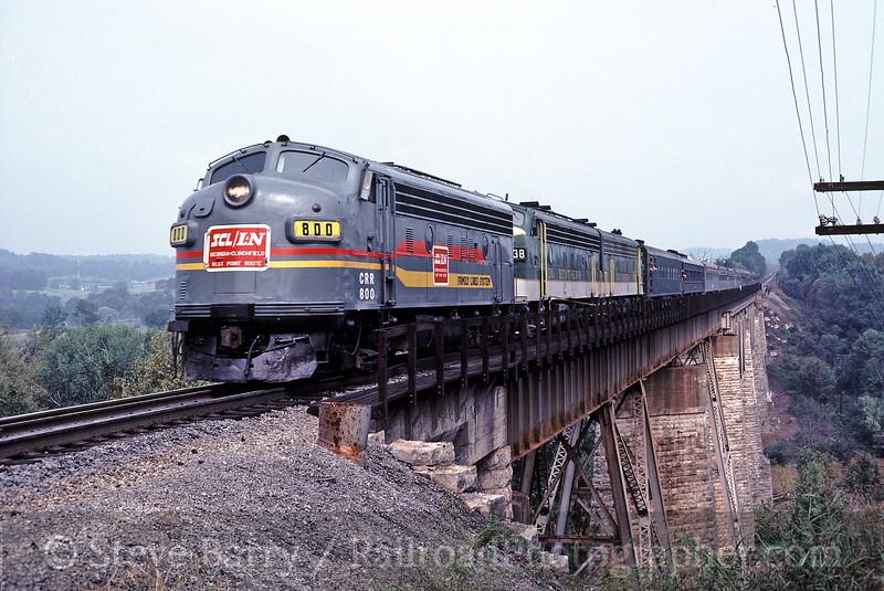 Photo 0265<br /> Family Lines; Munfordville, Kentucky<br /> July 5, 1981