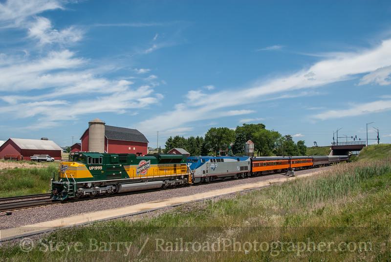 Photo 2400<br /> Union Pacific; Geneva, Illinois<br /> June 17, 2012