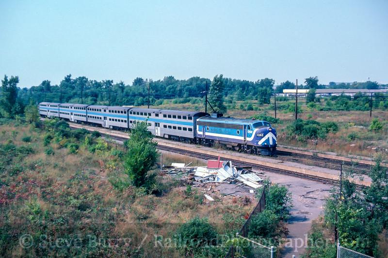 Photo 4885<br /> Société de transport de Montréal<br /> Lachine, Quebec<br /> September 1987