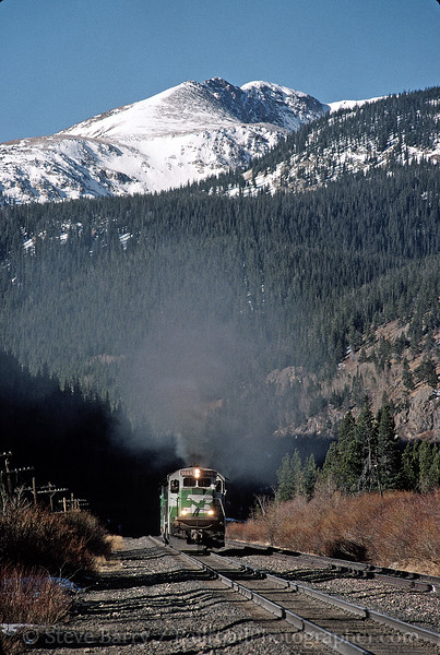 Photo 0063<br /> Burlington Northern & Santa Fe (on Union Pacific/D&RGW); Tolland, Colorado<br /> December 1998