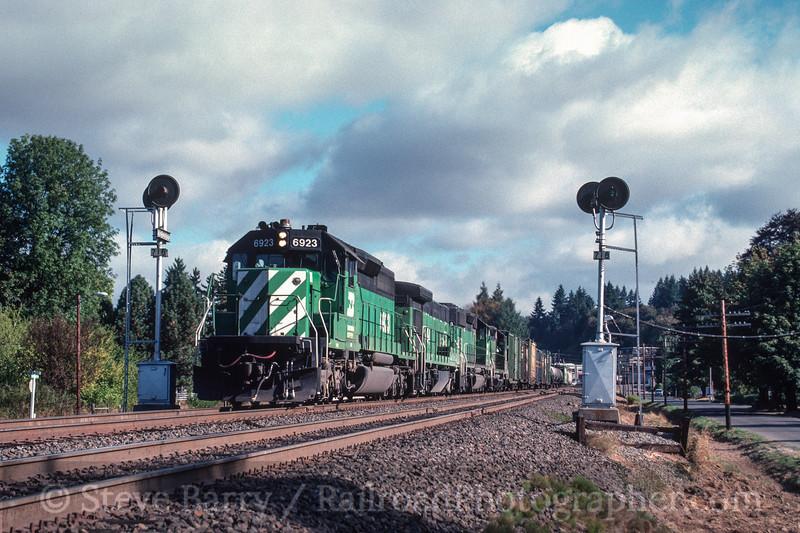 Photo 3006<br /> Burlington Northern; Winlock, Washington<br /> September 1988