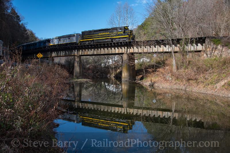 Photo 4420<br /> Clinchfield Santa Train<br /> Clinchco, Virginia<br /> November 17, 2017