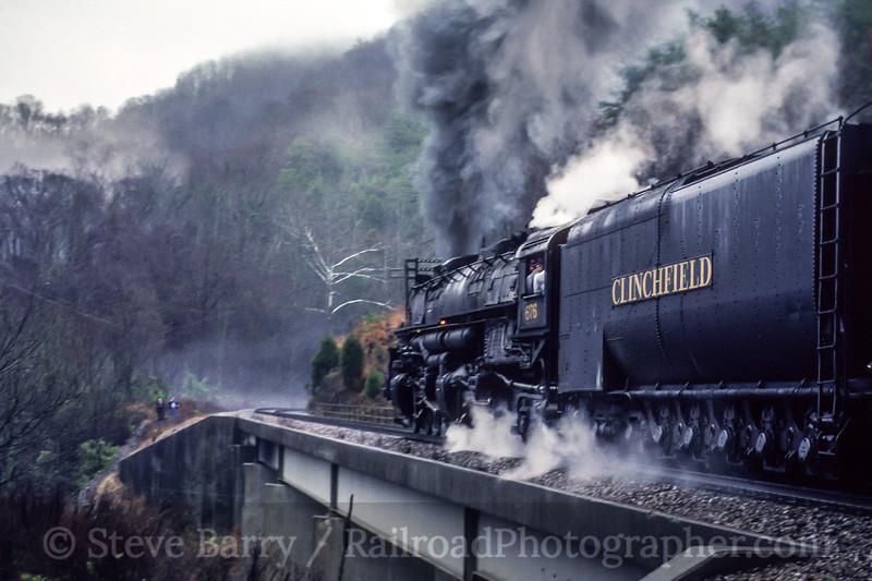 Photo 5151<br /> Clinchfield Santa Train<br /> Speers Ferry, Virginia<br /> November 1992