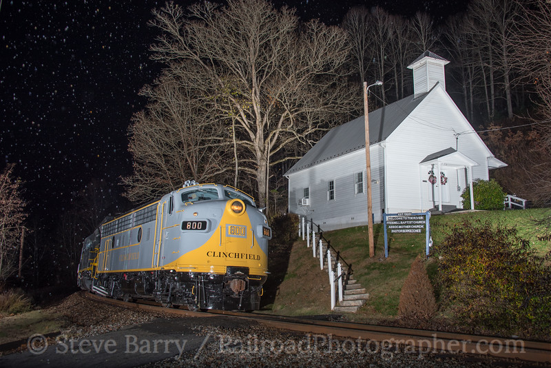 Photo 4426<br /> Clinchfield Santa Train<br /> Huntdale, North Carolina<br /> November 18, 2017