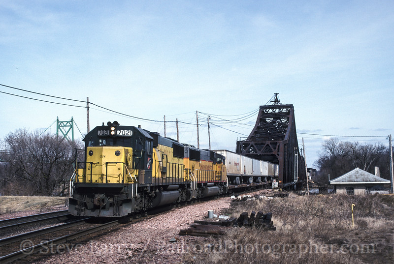 Photo 1725<br /> Chicago & North Western<br /> Clinton, Iowa