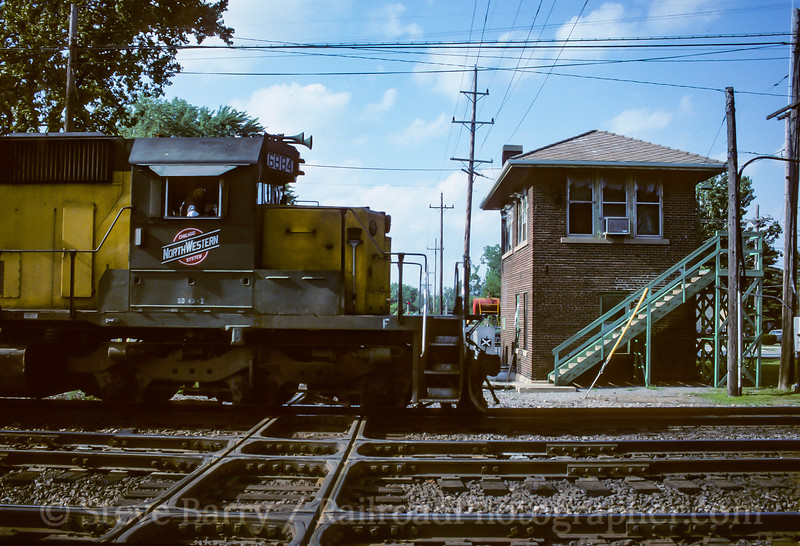 Photo 4129<br /> Chicago & North Western; West Chicago, Illinois<br /> July 1993