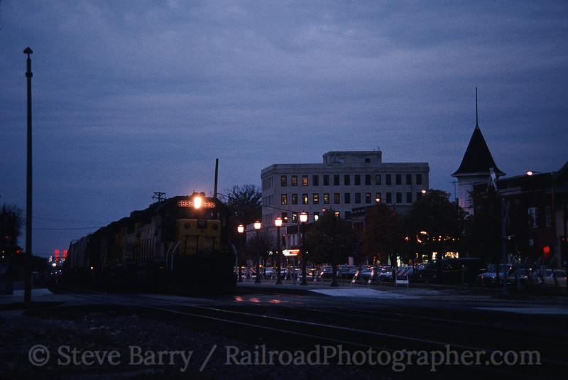 Photo 0135<br /> Chicago & North Western; Elmhurst, Illinois