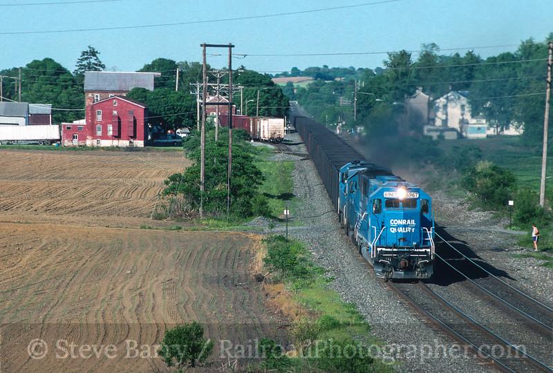 Photo 3568<br /> Conrail; Lyons, Pennsylvania<br /> May 25, 1996