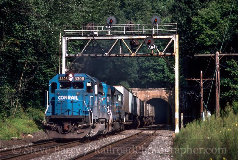 Photo 2866<br /> Conrail; Pattenburg, New Jersey<br /> August 29, 1992