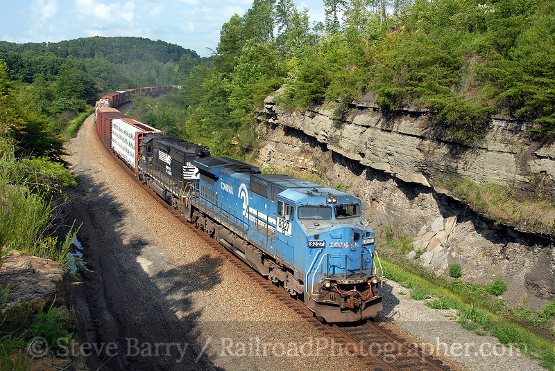 Photo 0727<br /> Norfolk Southern; Parkers Lake, Kentucky<br /> August 13, 2006