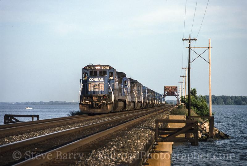 Photo 1719<br /> Conrail; Sandusky Bay, Danbury, Ohio<br /> July 19, 1993