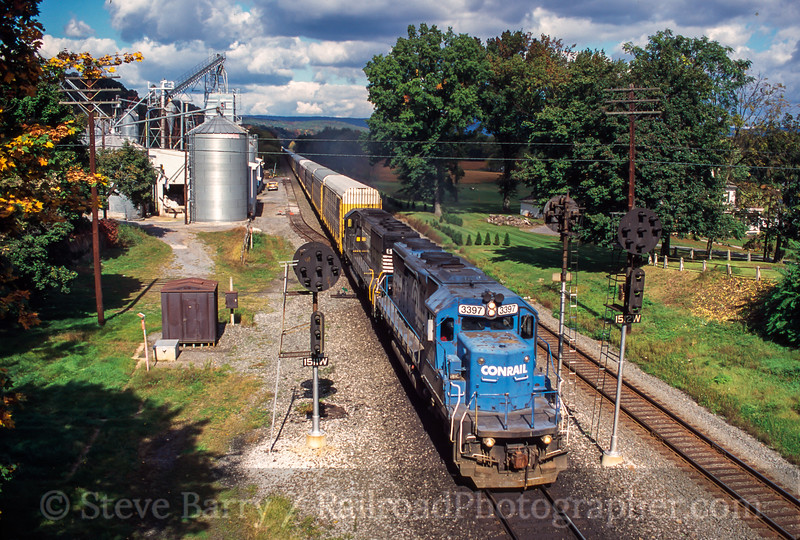Photo 2145 Norfolk Southern; Port Royal, Pennsylvania October 2000