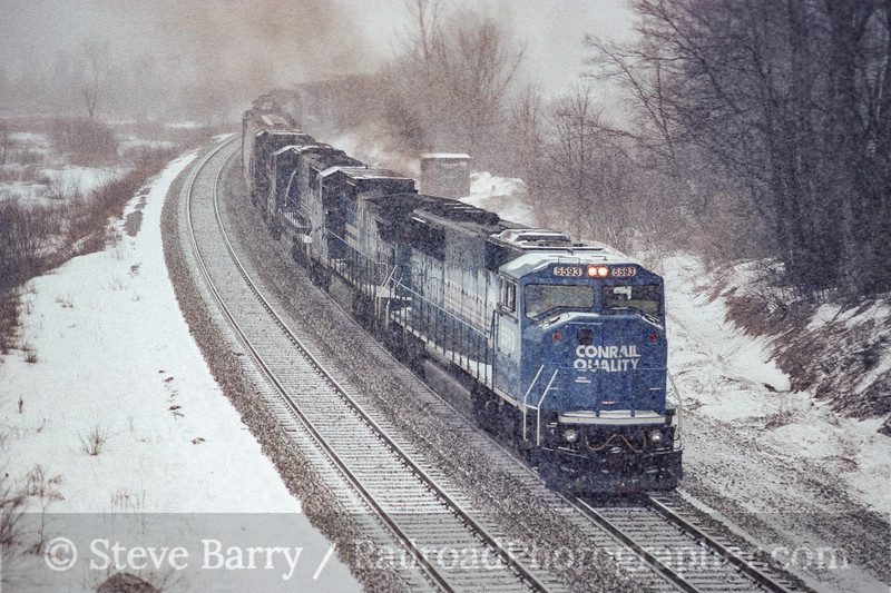 Photo 4139<br /> Conrail; Hinsdale, Massachusetts<br /> January 1996