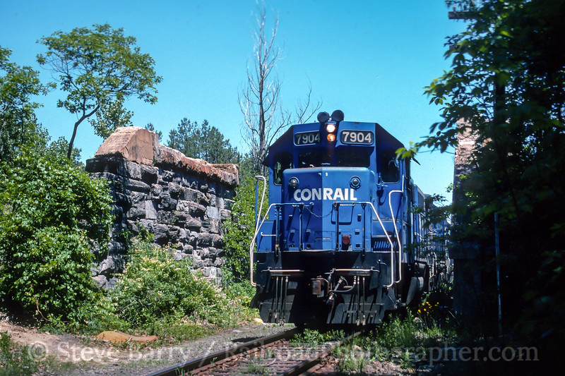 Photo 4570<br /> Conrail<br /> Richland, New Jersey<br /> June 4, 1994