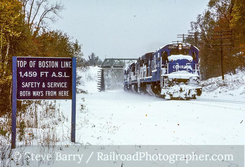 Photo 5155<br /> Conrail<br /> Washington, Massachusetts<br /> October 1987