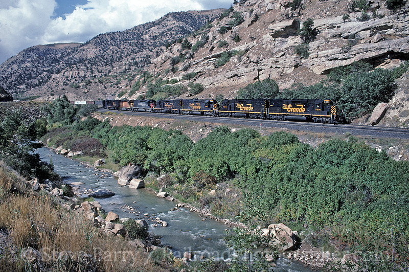 Photo 1662<br /> Southern Pacific (Denver & Rio Grande Western); Helper, Utah<br /> September 16, 1994
