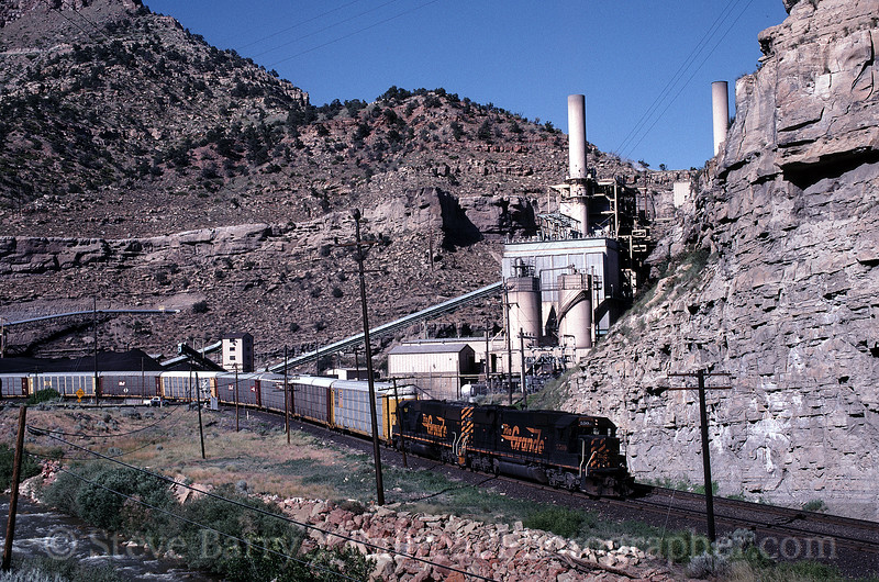 Photo 0245<br /> Union Pacific (Denver & Rio Grande Western); Castle Gate, Utah<br /> July 2, 1997