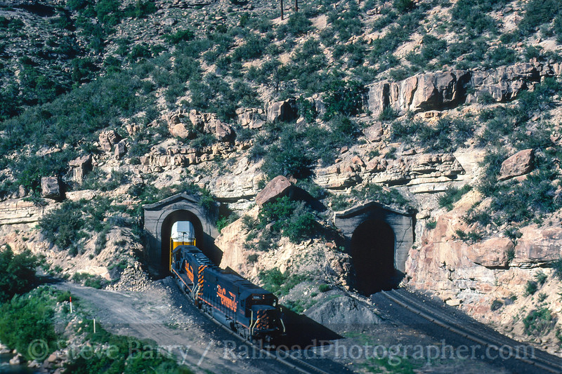 Photo 5005<br /> Southern Pacific<br /> Kyune Tunnels, Helper, Utah<br /> July 1997
