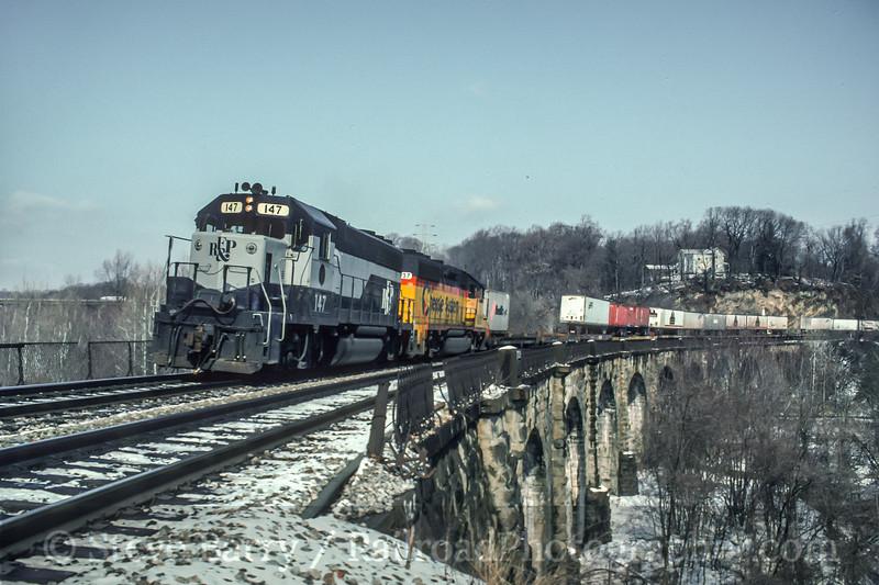 Photo 5142<br /> CSX Transportation<br /> Thomas Viaduct, Relay, Maryland<br /> February 1992