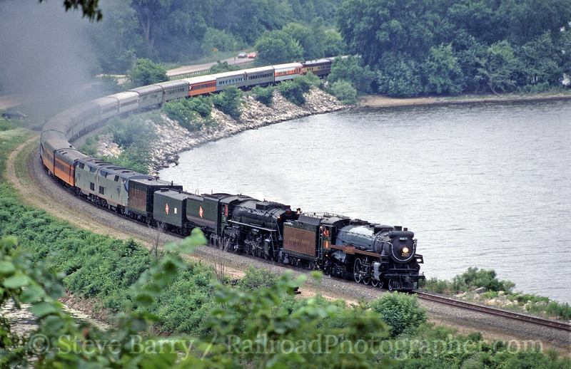 Photo 0147<br /> Canadian Pacific 2816 and Milwaukee Road 261; Maple Springs, Minnesota<br /> July 3, 2004