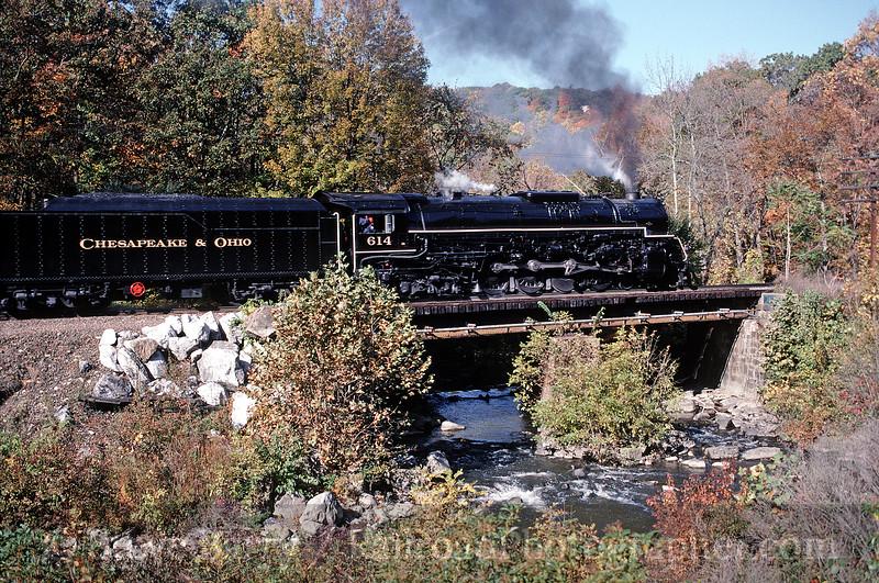 Photo 0140<br /> Chesapeake & Ohio 614; Tuxedo, New York<br /> October 17, 1998