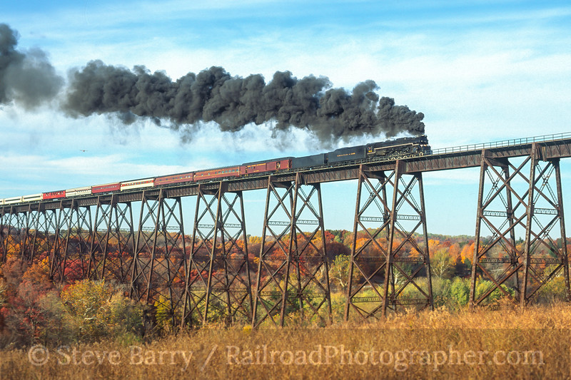 Photo 4100<br /> Chesapeake & Ohio 614; Moodna Viaduct, Salisbury Mills, New York<br /> October 1996