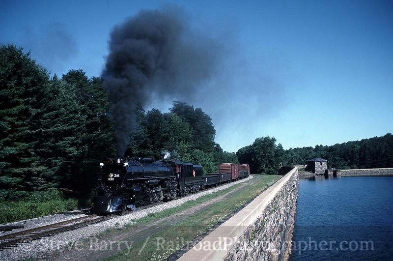 Photo 0780<br /> Milwaukee Road 261; Elmhurst, Pennsylvania<br /> August 13, 1995