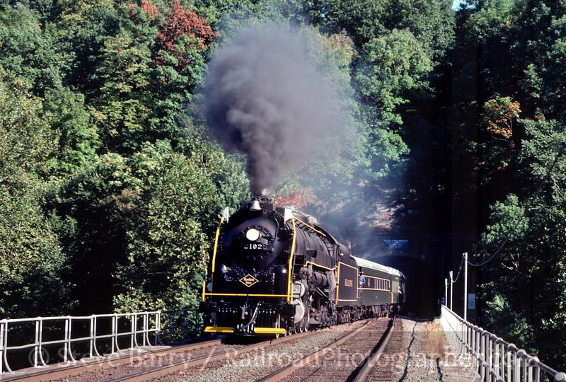 Photo 2047<br /> Reading Company 2102; Black Rock Tunnel, Phoenixville, Pennsylvania<br /> September 1985