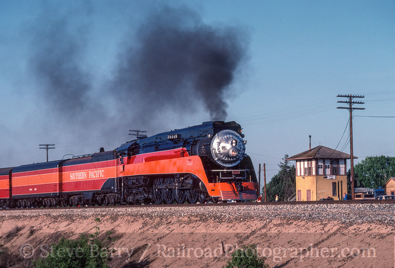 Photo 2943<br /> Southern Pacific 4449; Elvas Tower, Sacramento, California<br /> May 1991