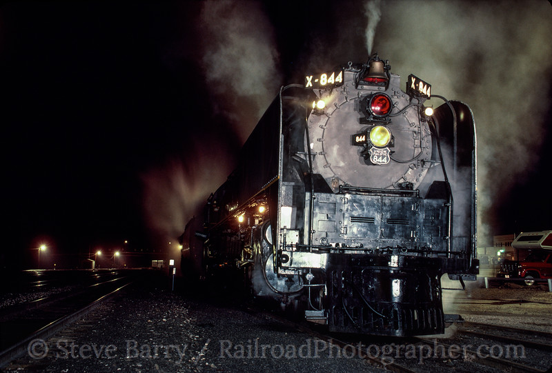 Photo 2921<br /> Union Pacific 844; Stockton, California<br /> May 1991