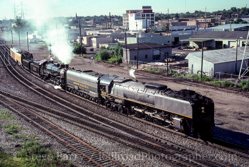 Photo 2468<br /> Union Pacific 8444 and Frisco 1522; St. Louis, Missouri<br /> June 1990